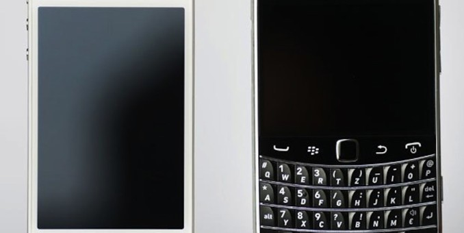 BlackBerry, Apple Battle Over Indonesia