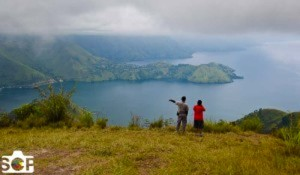 Lake_Toba_From_Simalem_Resort_One_Tree_Hill-300x175